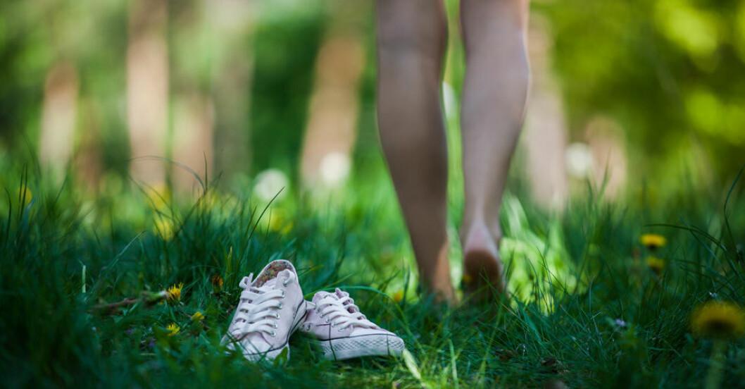 barfota vs platta skor