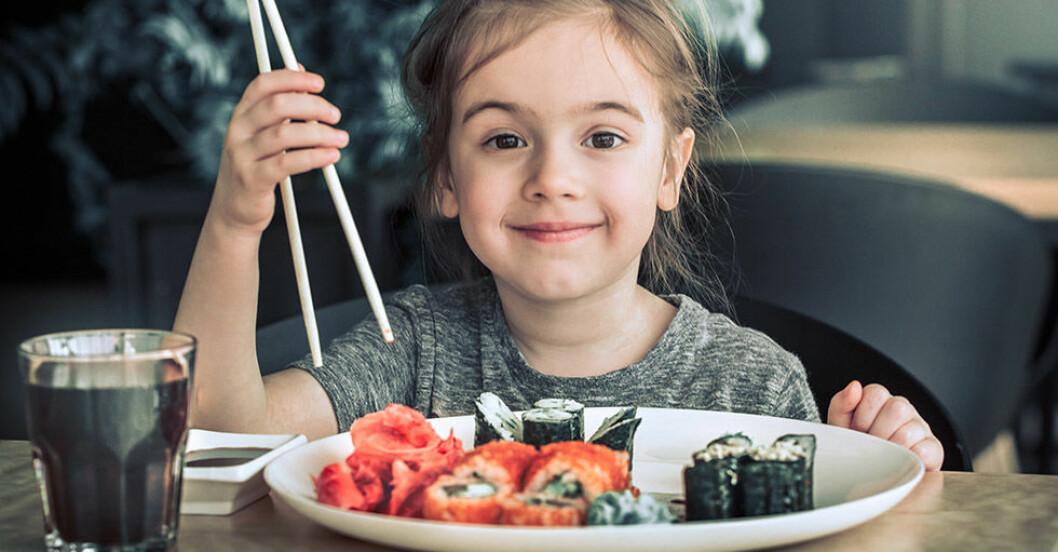 Ny studie: Barn som äter fisk sover bättre – och blir smartare