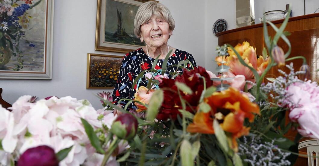 Dagny Carlsson firas på sin födelsedag.