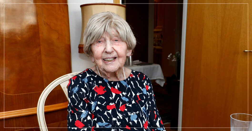 """109-åriga Dagny Carlssons hälsning efter svåra tiden: """"Saknar ork"""""""