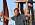 Dennis Johansson håller i facklan och Robinson-statyetten