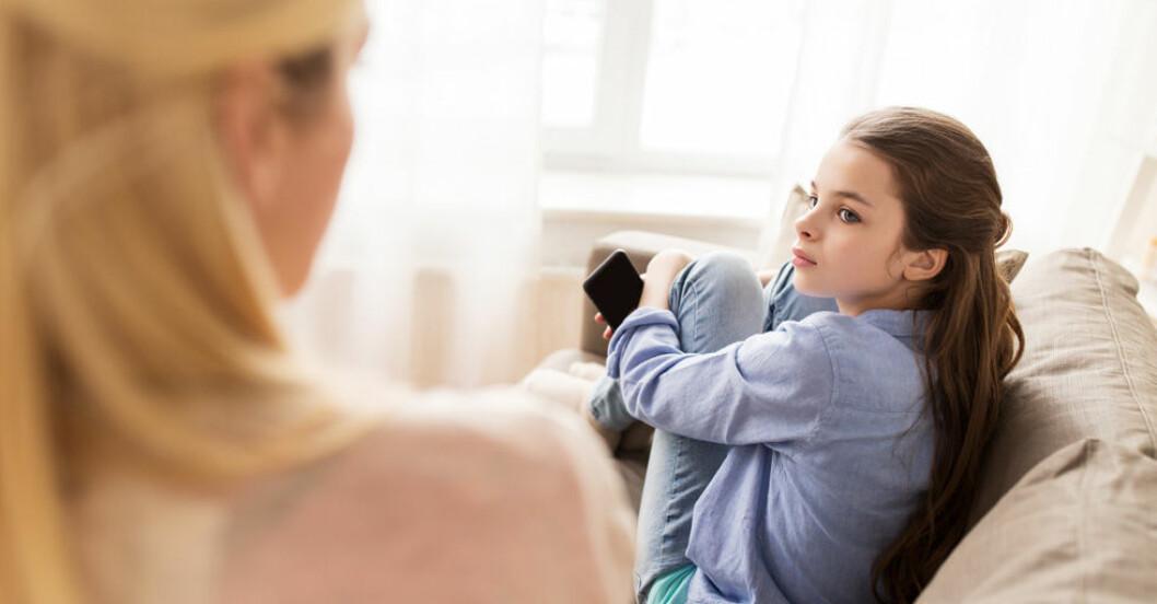 Ny undersäkning om vett och etikett och föräldraskap i sociala medier