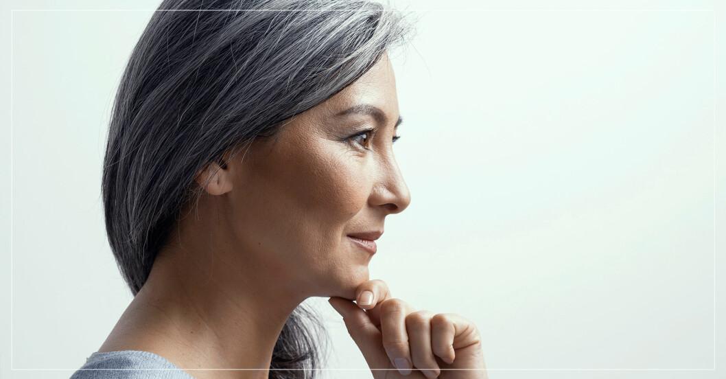 kvinna med grått hår