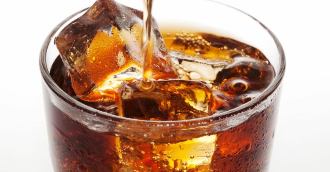 Inför en sockerskatt, föreslår fetmaexperten.