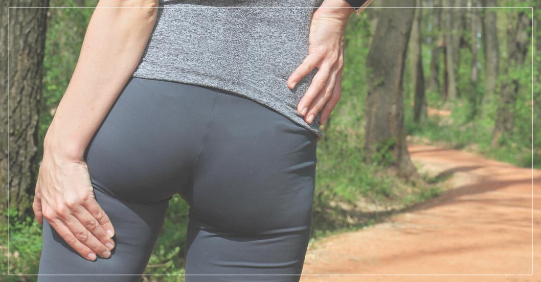 kvinna behöver övningar och behandling mot ischias