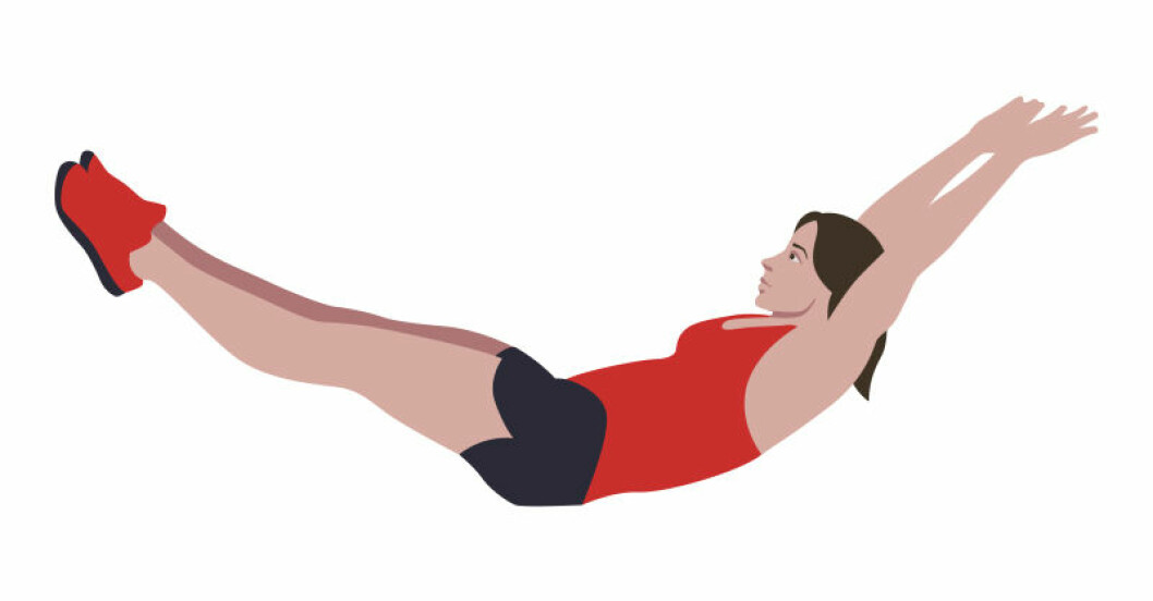 kvinna träna mage/bål
