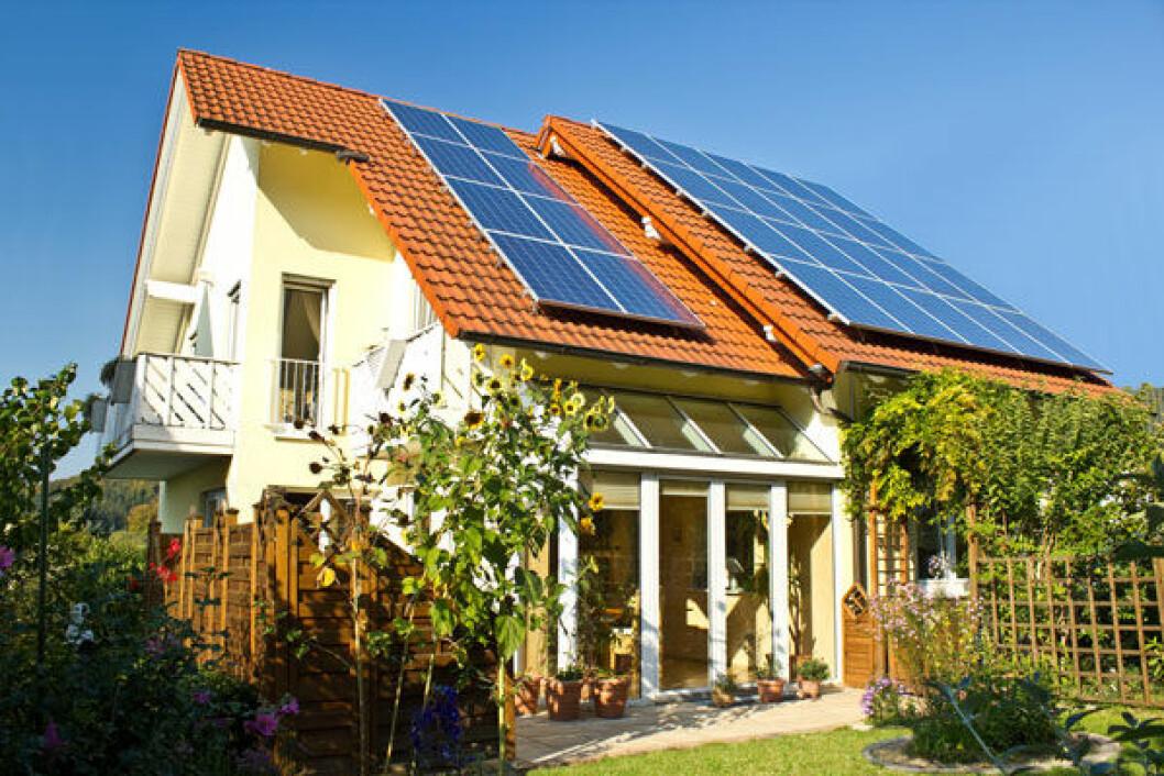 Om du sätter solceller på taket till ditt hus sparar du både pengar och miljön.