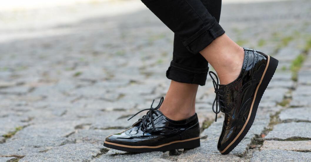 Gå in nya skor utan att få ont – så gör du.