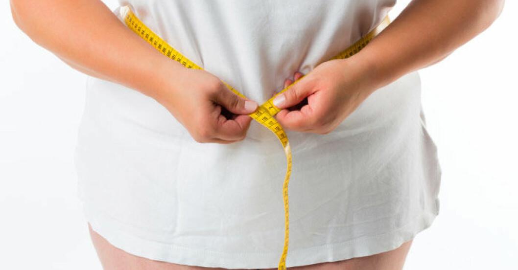 Det är ingen vits med att säga åt överviktiga att träna och äta mindre, menar amerikanska forskare.