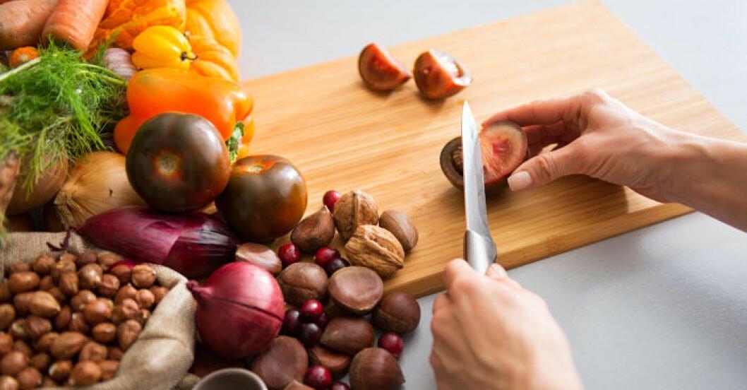 Nötter och grönsaker går bra enligt paleo.