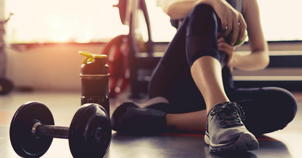 kvinna som tränat på gym