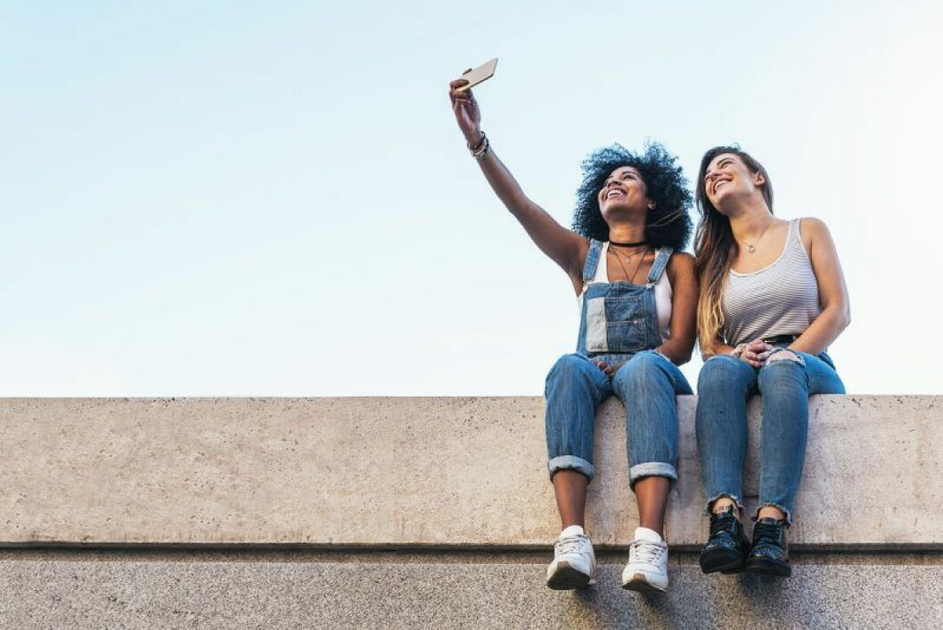 Sätt telefonen i flightmode om du bara ska ha den som kamera.
