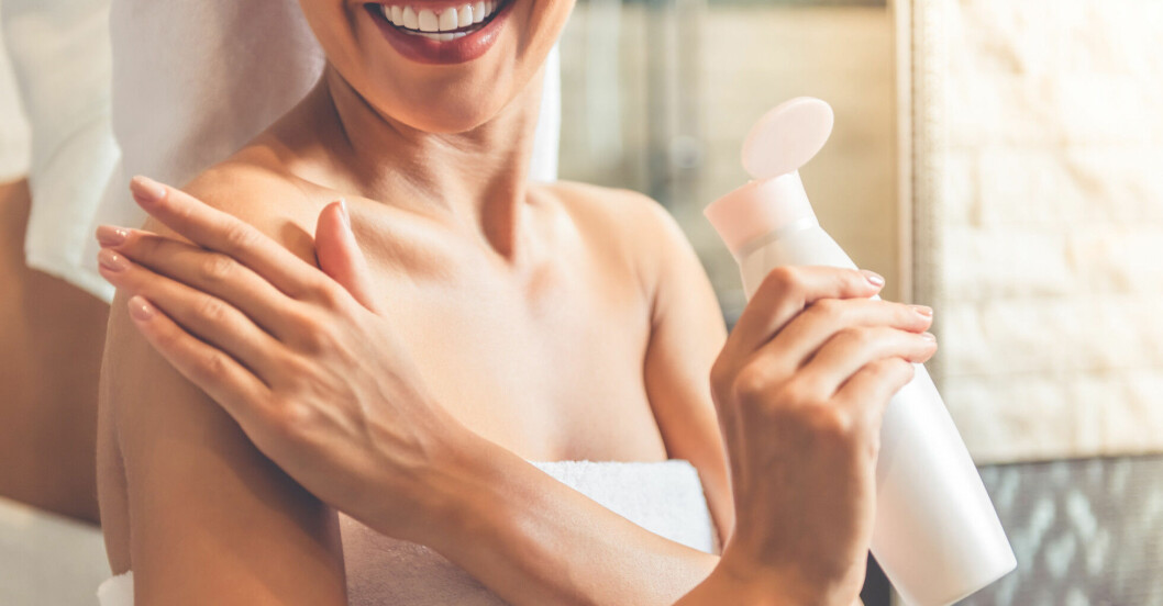 Ta hand om din hud, med lotion.