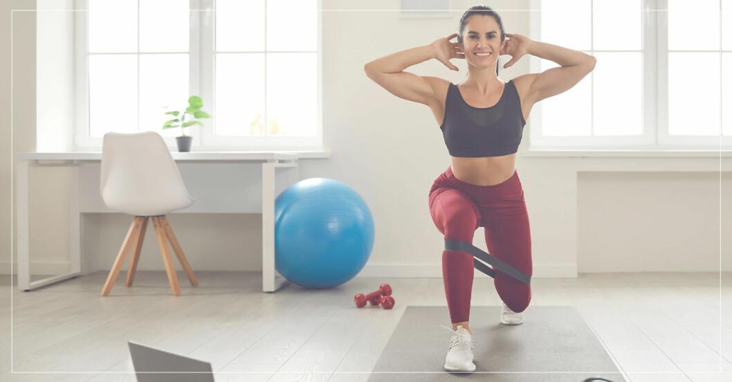 kvinna tränar rumpa med övningen split squat